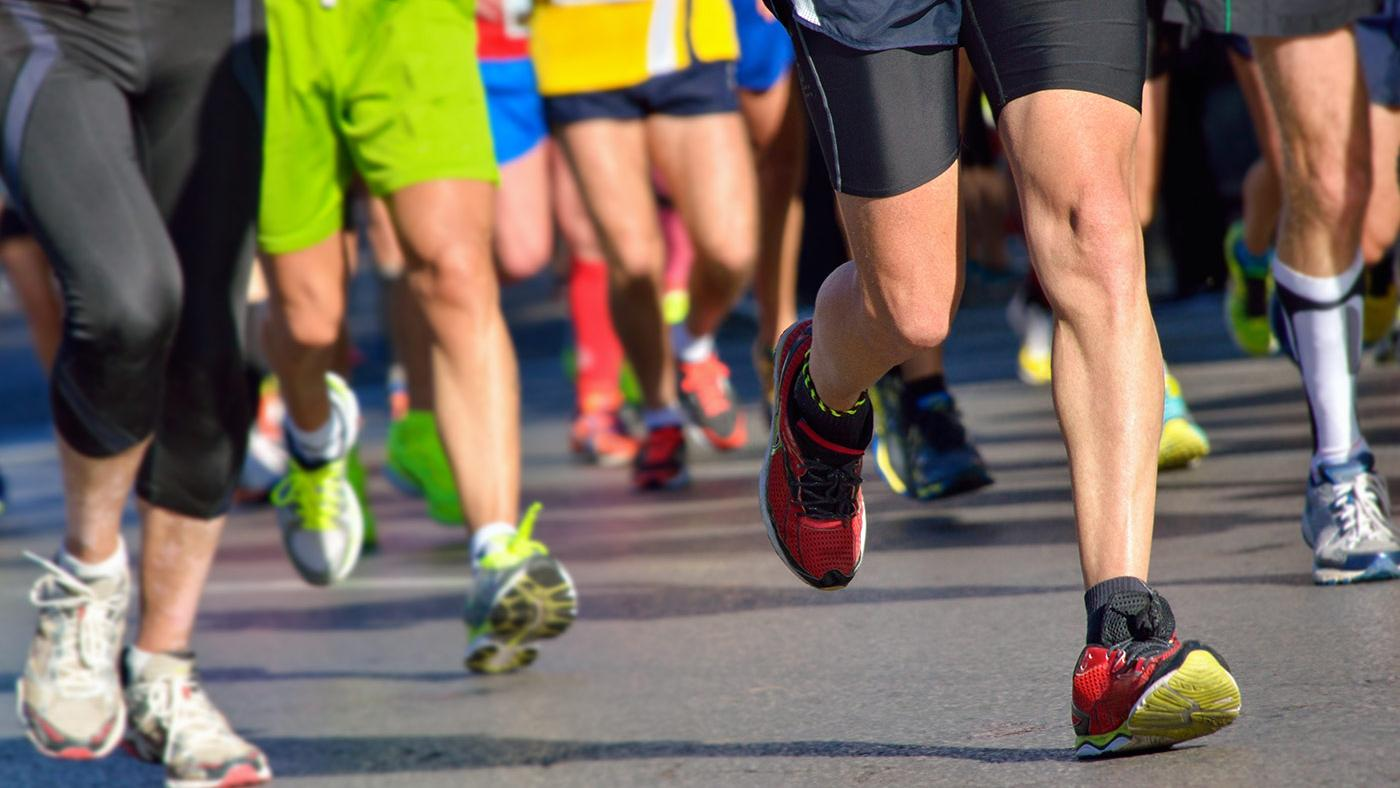 Runners competing in Valentine's Day Massacre 3 Mile Prediction Run